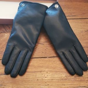 NWT - Leather Adrienne Vittadini Womans Gloves